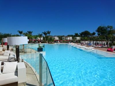 Aquatech fabricaci n de piscinas ba eras jacuzzis spa - Fabricacion de piscinas ...